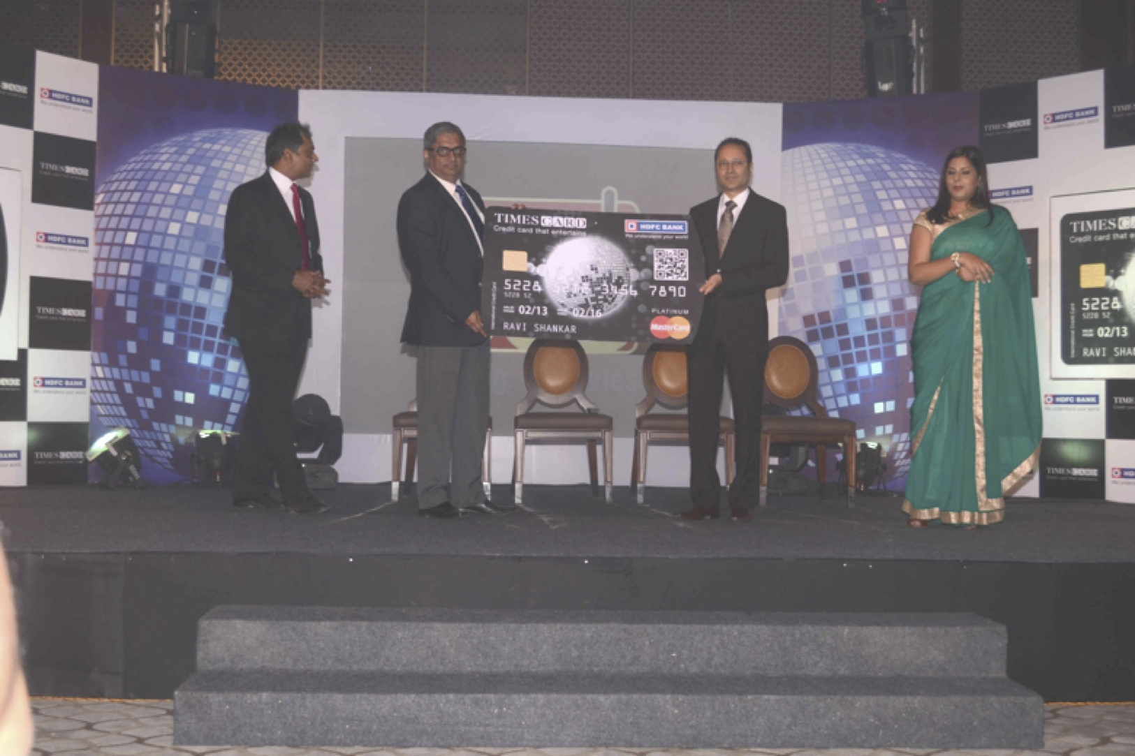Times card with hdfc bank launches a power packed credit card for l r mr parag rao senior executive vice president and business head credit cards merchant acquiring services hdfc bank mr aditya puri md colourmoves