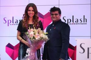 Kalyan Kumar (COO Splash India) & Bollywood style diva Esha Gupta (Brand Ambassador of Splash) at the launch of its latest store at Malad, Mumbai