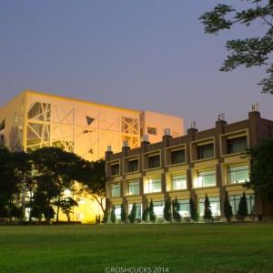 New Academic Block & Library IMT Ghaziabad by Roshan Jain CC BY-SA 4.0 via Wikimedia Commons