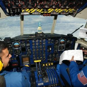 cockpit-79525_1280