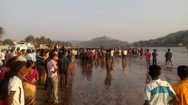 murud-beach-deaths