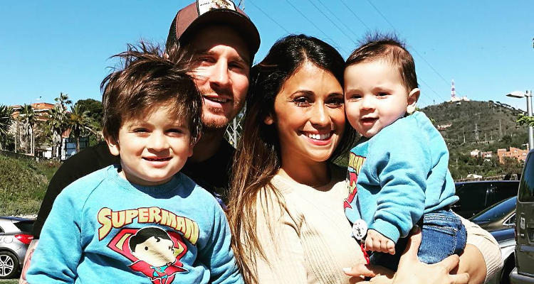 bd1ac1689fc846 Lionel-Messi-Girlfriend-and-Kids - Youth Incorporated Magazine