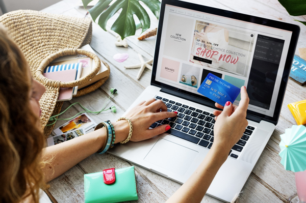 Five Reasons Why We All Love to Shop Online