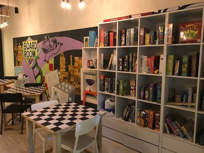 Pair A Dice - Board Game Cafe