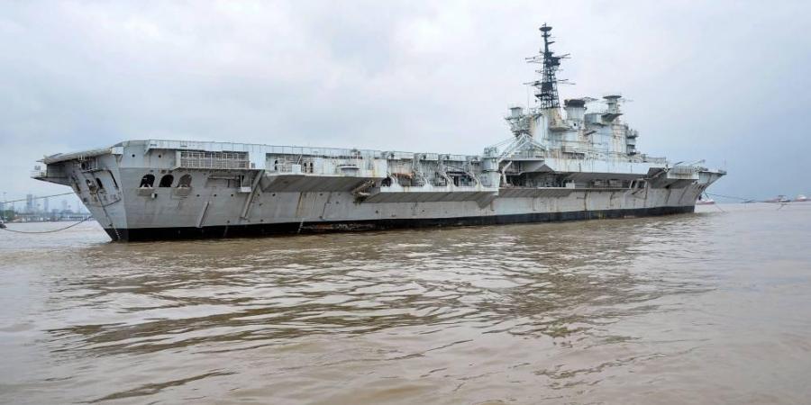 Retired aircraft carrier 'Viraat'