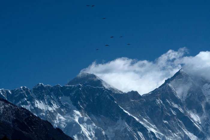 Mount Everest, microplastic pollution