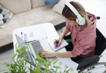 Headphones Improve Concentration At Work